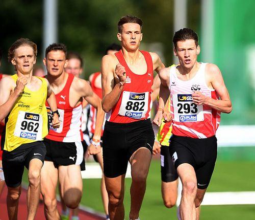 Goldener Samstag für den hessischen Nachwuchs am zweiten Tag der Jugend-DM in Rostock - Titel für Okai Charles (400 m), Christoph Schrick Schrick (1500 m), Vivian Groppe (200 m) und Sarah Vogel (Stab)